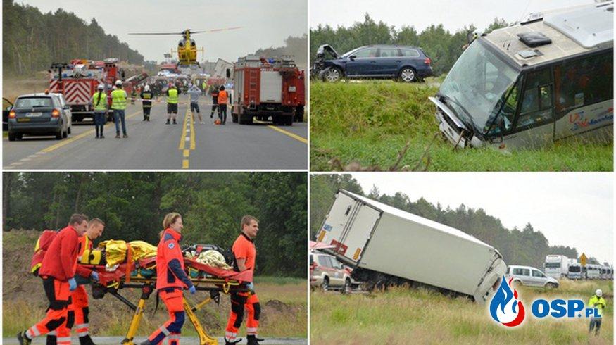 31 osób poszkodowanych w karambolu na DK 17 pod Gończycami! OSP Ochotnicza Straż Pożarna