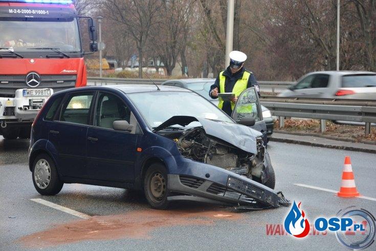Kobieta wjechała autem w radiowóz. Dwóch policjantów w szpitalu. OSP Ochotnicza Straż Pożarna