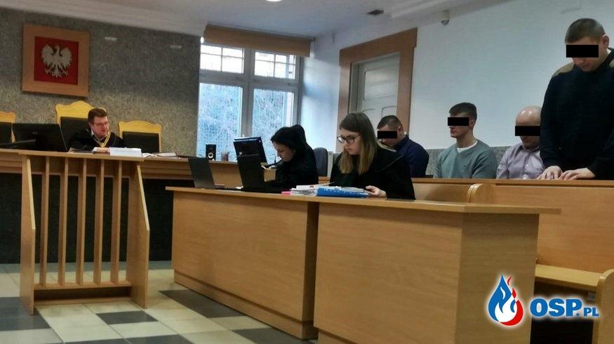5 strażaków na ławie oskarżonych. Wszyscy przyznali się do winy. OSP Ochotnicza Straż Pożarna