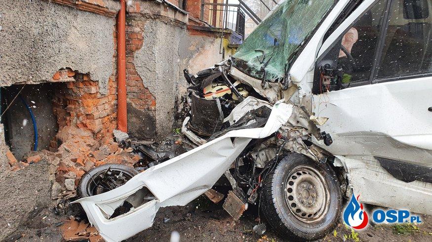Zderzenie dwóch samochodów OSP Ochotnicza Straż Pożarna