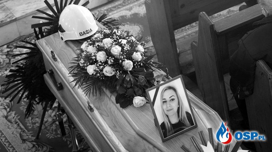 Druhna Basia i mały Michaś spoczęli na cmentarzu w Michałowicach OSP Ochotnicza Straż Pożarna