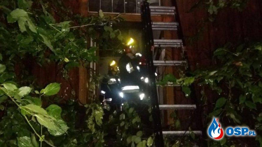 Pożar drewnianego budynku  OSP Ochotnicza Straż Pożarna