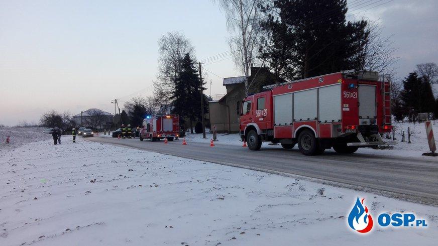 Czołowe zderzenie samochodów w Grabiu OSP Ochotnicza Straż Pożarna