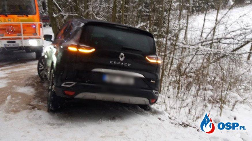 Auto zawisło nad rzeką na pograniczu czesko-polskim ! OSP Ochotnicza Straż Pożarna