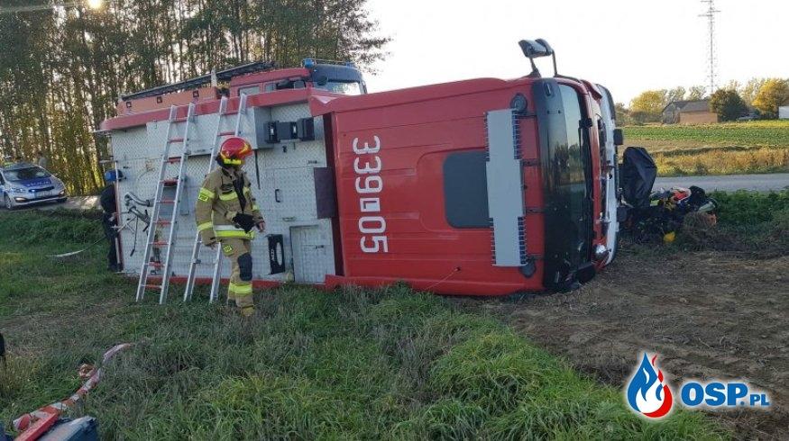 Strażacy z Wojciechowa wyłączeni z podziału bojowego po wypadku wozu gaśniczego OSP Ochotnicza Straż Pożarna