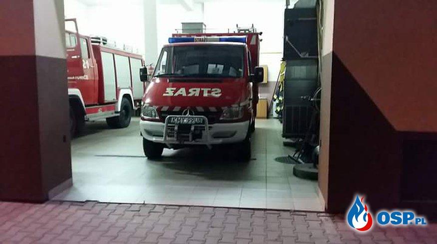 Plama oleju na DW956 w Biertowicach OSP Ochotnicza Straż Pożarna