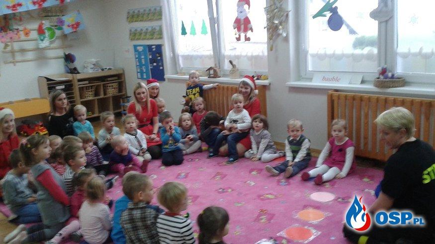 Przedszkole Amica Kids - świąteczna paczka dla dzieci oraz pokaz medyczny. OSP Ochotnicza Straż Pożarna