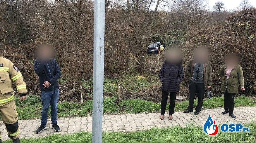 171/2019 Auto wypadło na łuku DK26 w Krajniku Dolnym OSP Ochotnicza Straż Pożarna