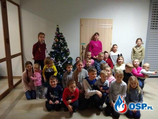 Kolejne zajęcia w świetlicy OSP - zdobienie pierników i ubieranie choinki OSP Ochotnicza Straż Pożarna