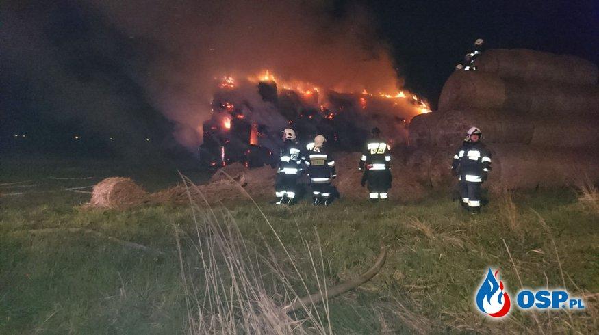 Pożar stogu słomy w Domecku OSP Ochotnicza Straż Pożarna