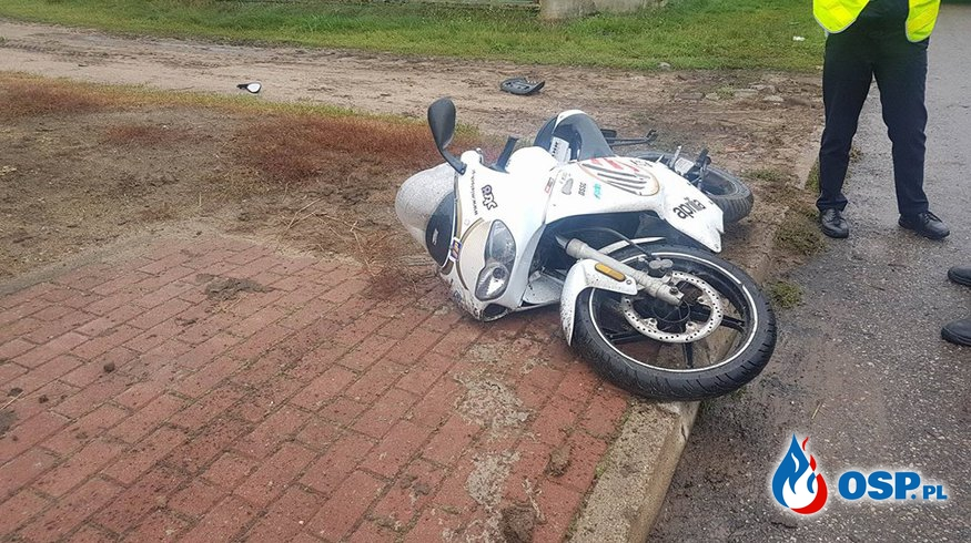 Motocyklista uderzył w słup OSP Ochotnicza Straż Pożarna