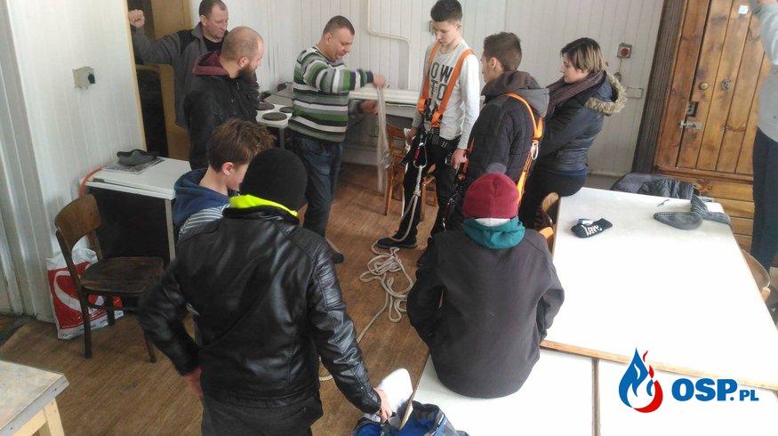 Ćwiczenia z sprzętem wysokościowym  OSP Ochotnicza Straż Pożarna