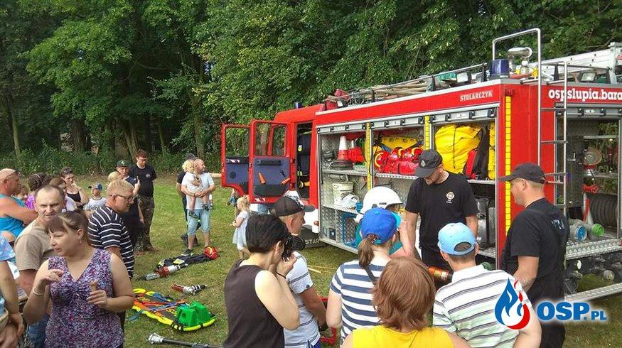 Pokaz strażacki na festynie integracyjnym OSP Ochotnicza Straż Pożarna