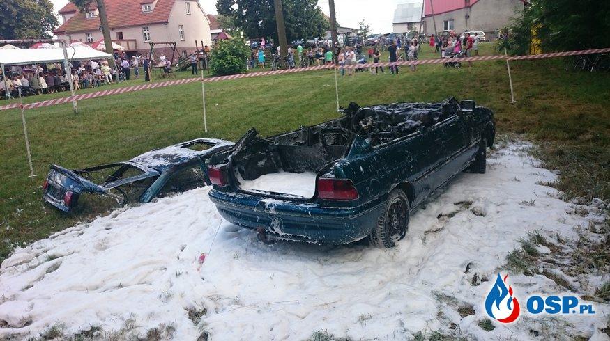 Pokaz strażacki na festynie w Donaborowie OSP Ochotnicza Straż Pożarna
