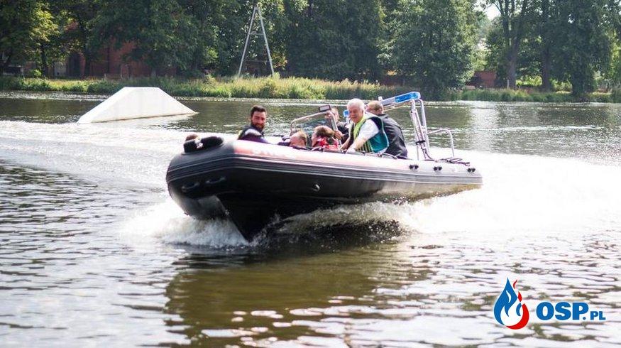 Hybrydowa łódź warta ponad 100 tysięcy złotych trafiła do strażaków OSP! OSP Ochotnicza Straż Pożarna