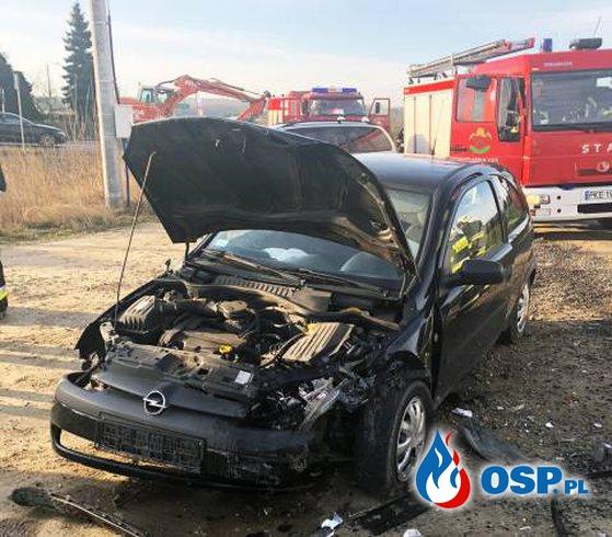 Zderzenie aut w Mroczeniu OSP Ochotnicza Straż Pożarna