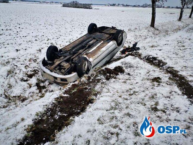 Ćmachowo – dachowanie samochodu OSP Ochotnicza Straż Pożarna