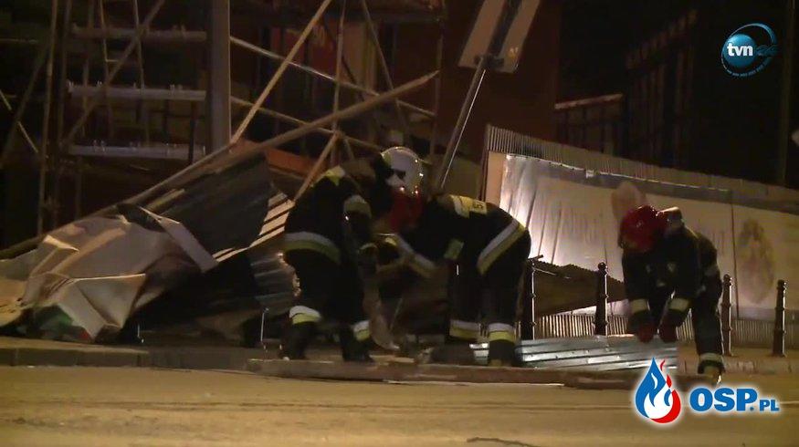 Zniszczone samochody i zerwane dachy. Pracowita noc strażaków na Podhalu! OSP Ochotnicza Straż Pożarna