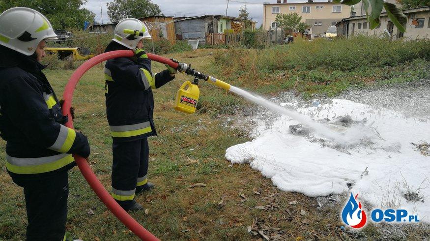 Pożar odpadów samochodowych OSP Ochotnicza Straż Pożarna