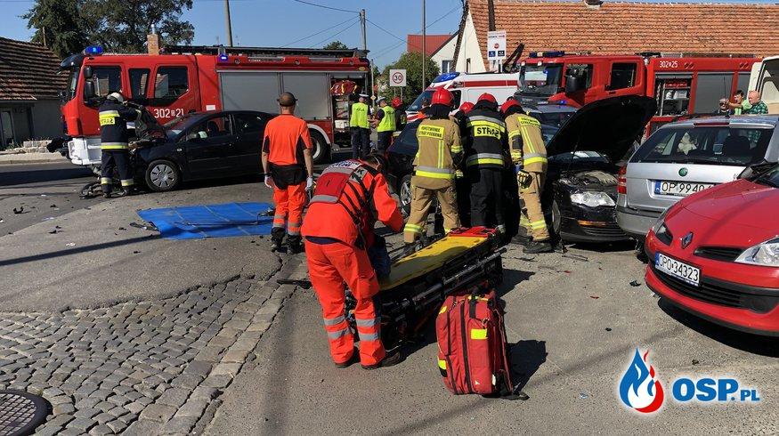 Kilka samochodów uszkodzonych po karambolu w Opolu OSP Ochotnicza Straż Pożarna
