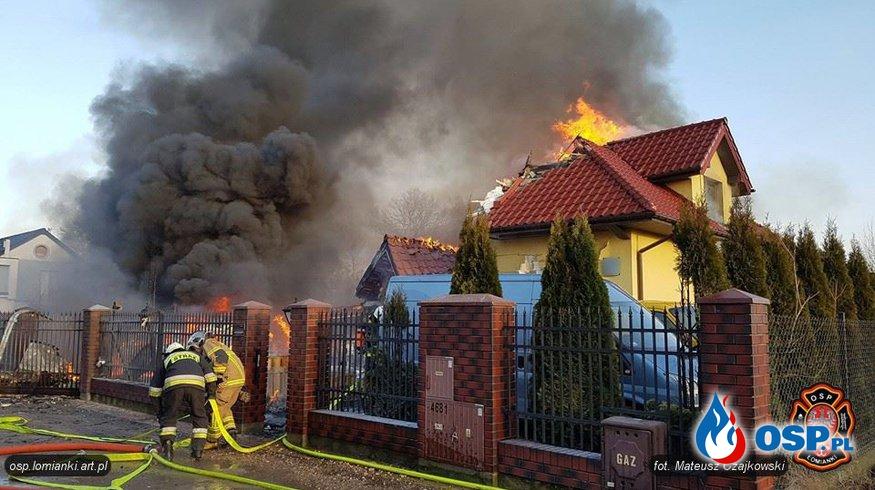 Pożar domu, w którym składowano fajerwerki. Budynek zawalił się. OSP Ochotnicza Straż Pożarna