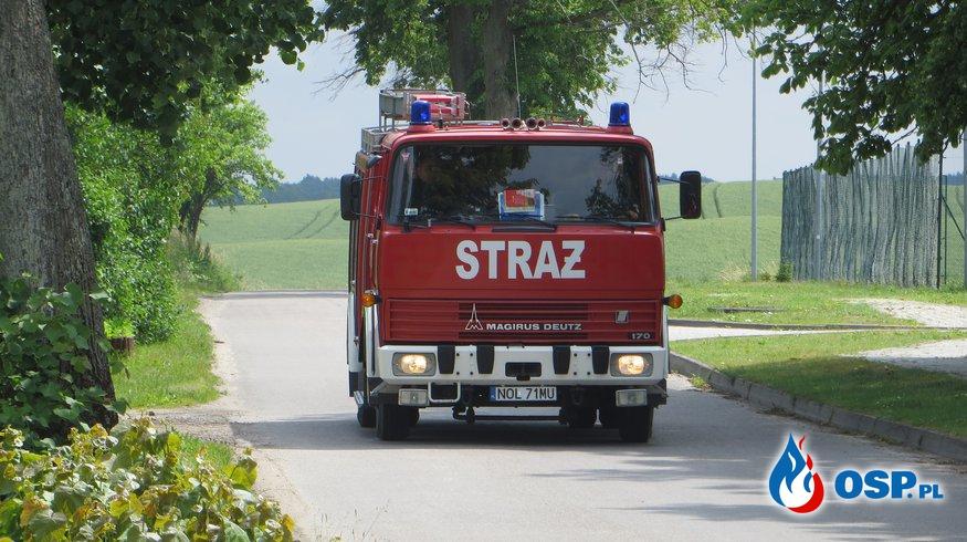 Wiatrołom na drodze! OSP Ochotnicza Straż Pożarna
