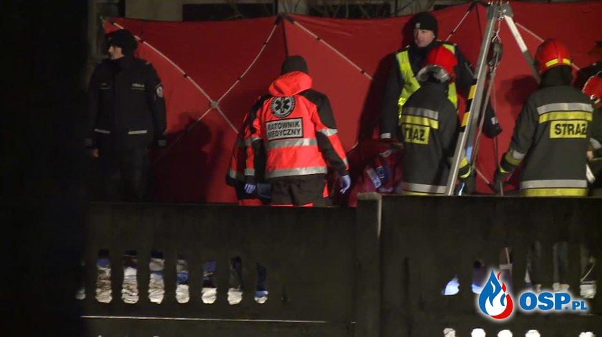 Po ugaszeniu pożaru domu, strażacy znaleźli zakrwawione zwłoki w studni! OSP Ochotnicza Straż Pożarna