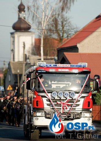 Poświęcenie nowego samochodu OSP Ochotnicza Straż Pożarna