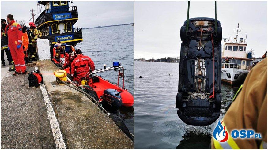 Auto wpadło do kanału portowego w Dziwnowie. Zginęły 4 osoby, w tym 2 dzieci. OSP Ochotnicza Straż Pożarna