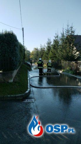 Błoto na jezdni OSP Ochotnicza Straż Pożarna