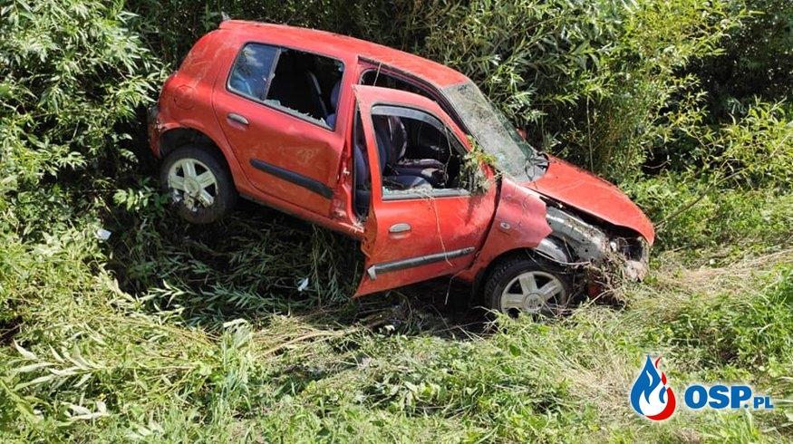 Straciła panowanie nad pojazdem i wjechała do rowu OSP Ochotnicza Straż Pożarna