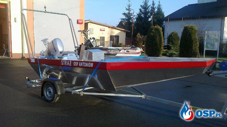 Nowa łódź OSP Ochotnicza Straż Pożarna