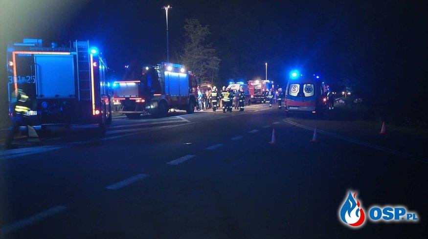 Zderzenie busa z autokarem OSP Ochotnicza Straż Pożarna
