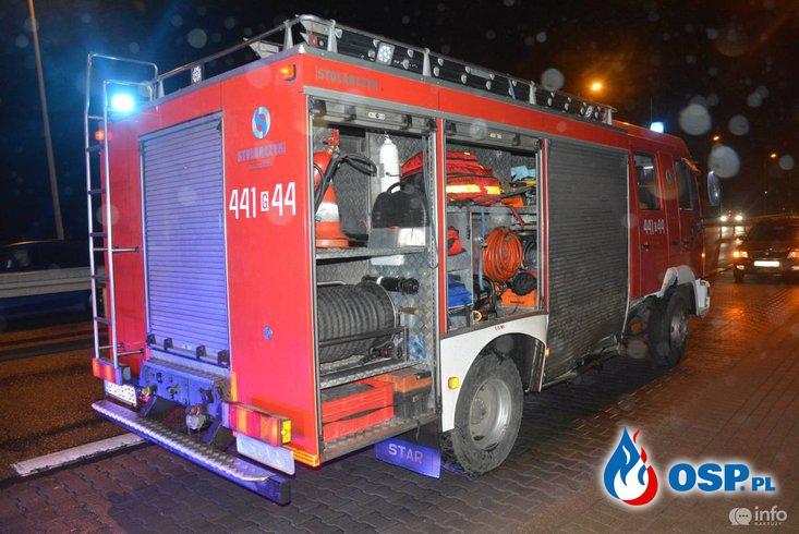 Wypadek wozu strażackiego, jadącego do akcji. Strażak ukarany mandatem. OSP Ochotnicza Straż Pożarna