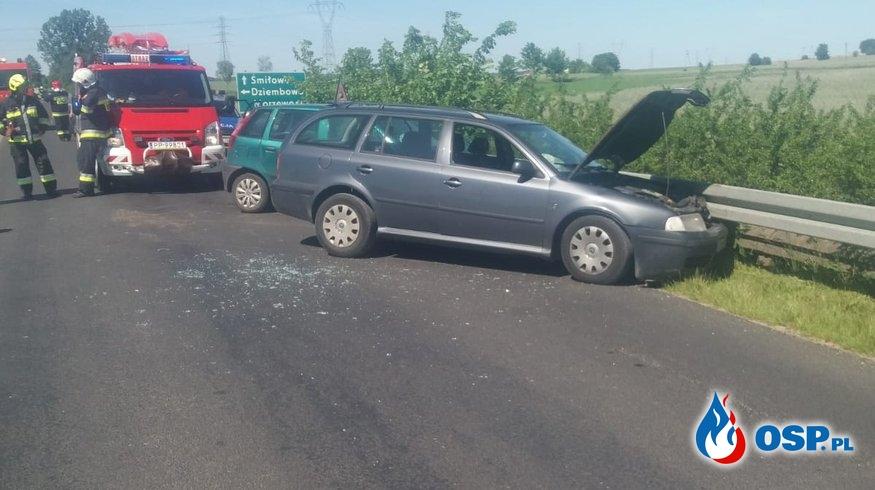 Wypadek drogowy w Krzewinie OSP Ochotnicza Straż Pożarna