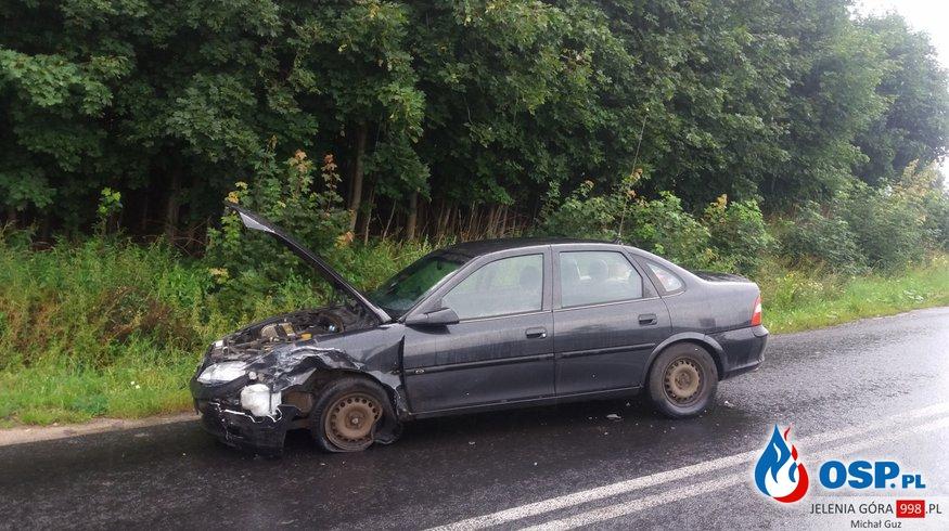Dziwiszów: Kolizja dwóch pojazdów na Kapelli. OSP Ochotnicza Straż Pożarna