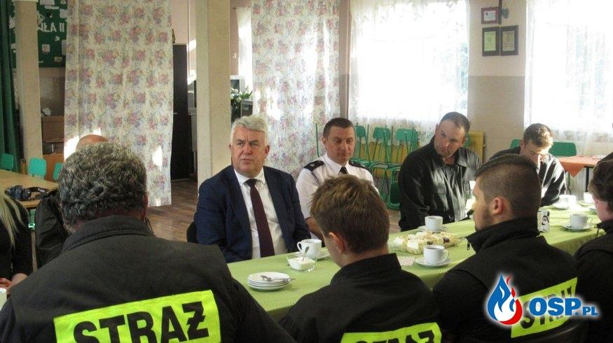 Poseł RP z wizytą w remizie OSP Kobło OSP Ochotnicza Straż Pożarna