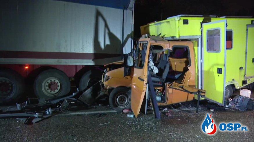 Ciężarówka, auto dostawcze i dwie osobówki zderzyły się na S1. Dwie osoby są ranne. OSP Ochotnicza Straż Pożarna