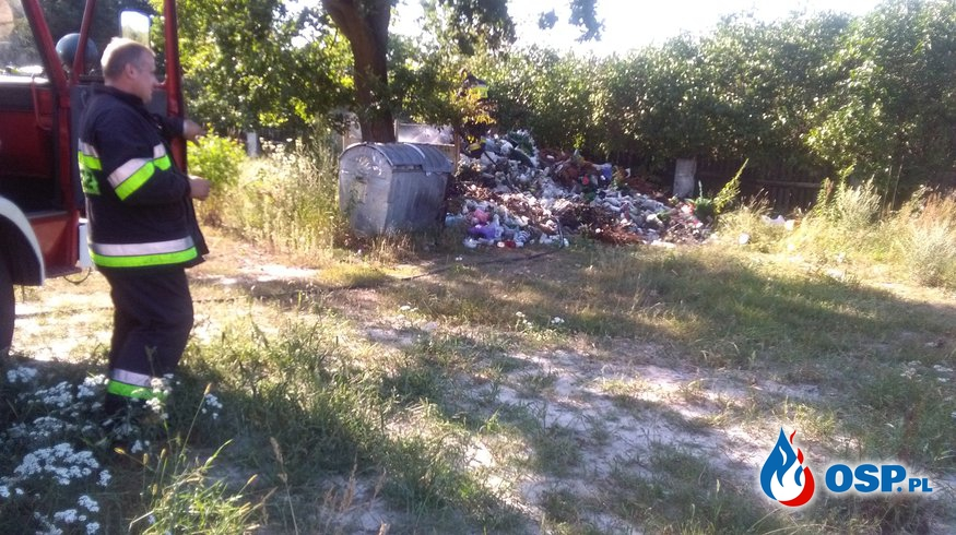 Pożar śmieci na cmentarzu OSP Ochotnicza Straż Pożarna