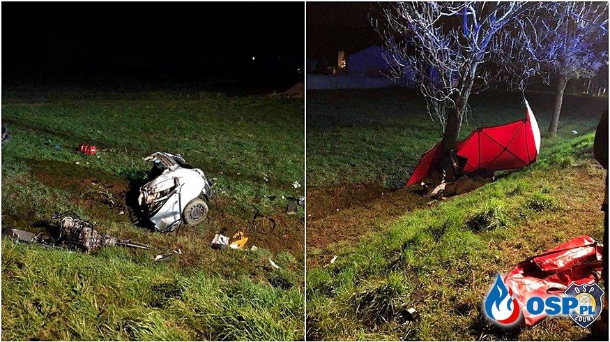 BMW rozpadło się po uderzeniu w drzewo. Kierowca wypadł z auta, zginął na miejscu. OSP Ochotnicza Straż Pożarna