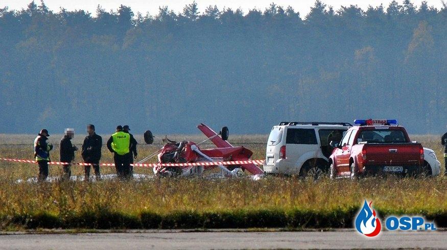 Wypadek awionetki na lotnisku w Kamieniu Śląskim. Dwie osoby są ranne. OSP Ochotnicza Straż Pożarna