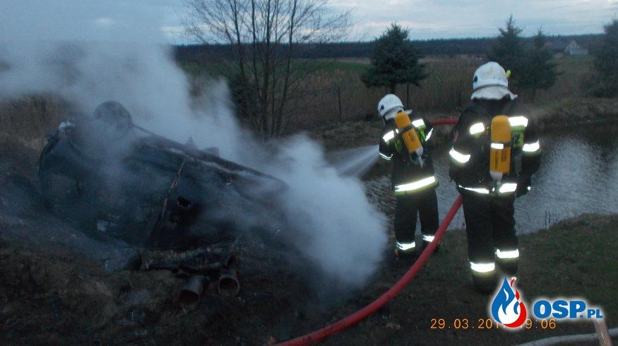 Pożar samochodu - Smardze OSP Ochotnicza Straż Pożarna