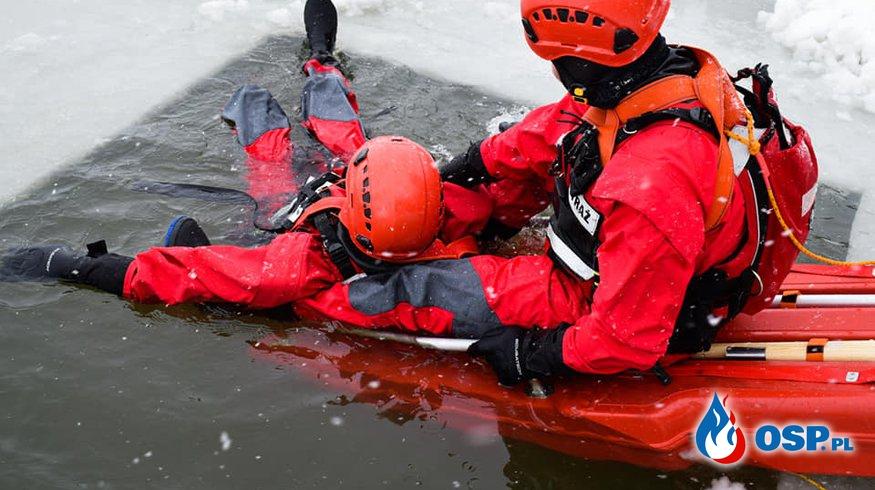Ćwiczenia na lodzie w Cedzynie OSP Ochotnicza Straż Pożarna