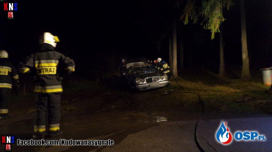 Pożar samochodu na krańcu miasta. OSP Ochotnicza Straż Pożarna