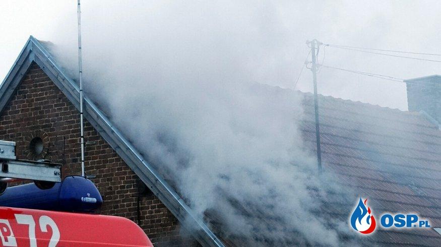 Stare Miasto - pożar w budynku wielorodzinnego. OSP Ochotnicza Straż Pożarna