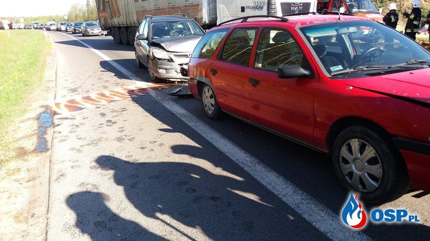 Zderzenie czterech samochodów osobowych OSP Ochotnicza Straż Pożarna