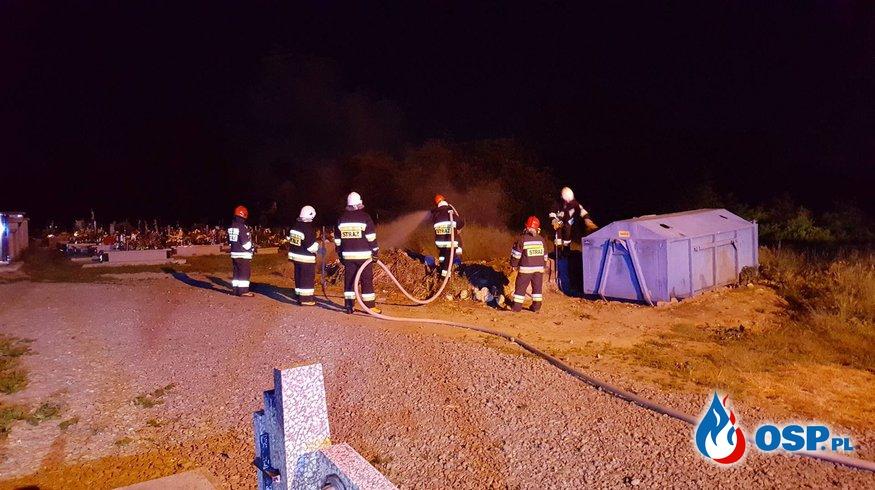 Pożar odpadów przy cmentarzu w Zręcinie OSP Ochotnicza Straż Pożarna