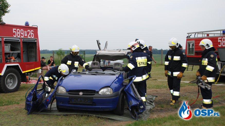 Pokaz ratownictwa technicznego na festynie w Bielsku OSP Ochotnicza Straż Pożarna