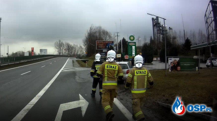 Kolizja samochodu osobowego na DK7 - 25 grudnia 2020r. OSP Ochotnicza Straż Pożarna