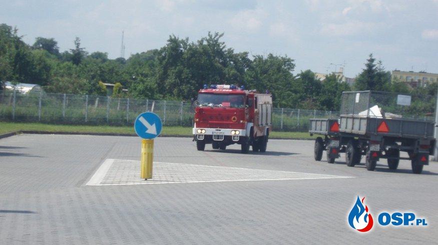 Ćwiczenia w Amice - pożar maszyny - ewakuacja OSP Ochotnicza Straż Pożarna